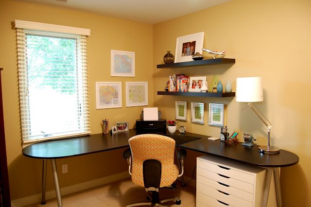 Benjamin Moore Golden Straw Wall Color This In The Evenings Is So Ery And Warm You Want To Walk Right Into It