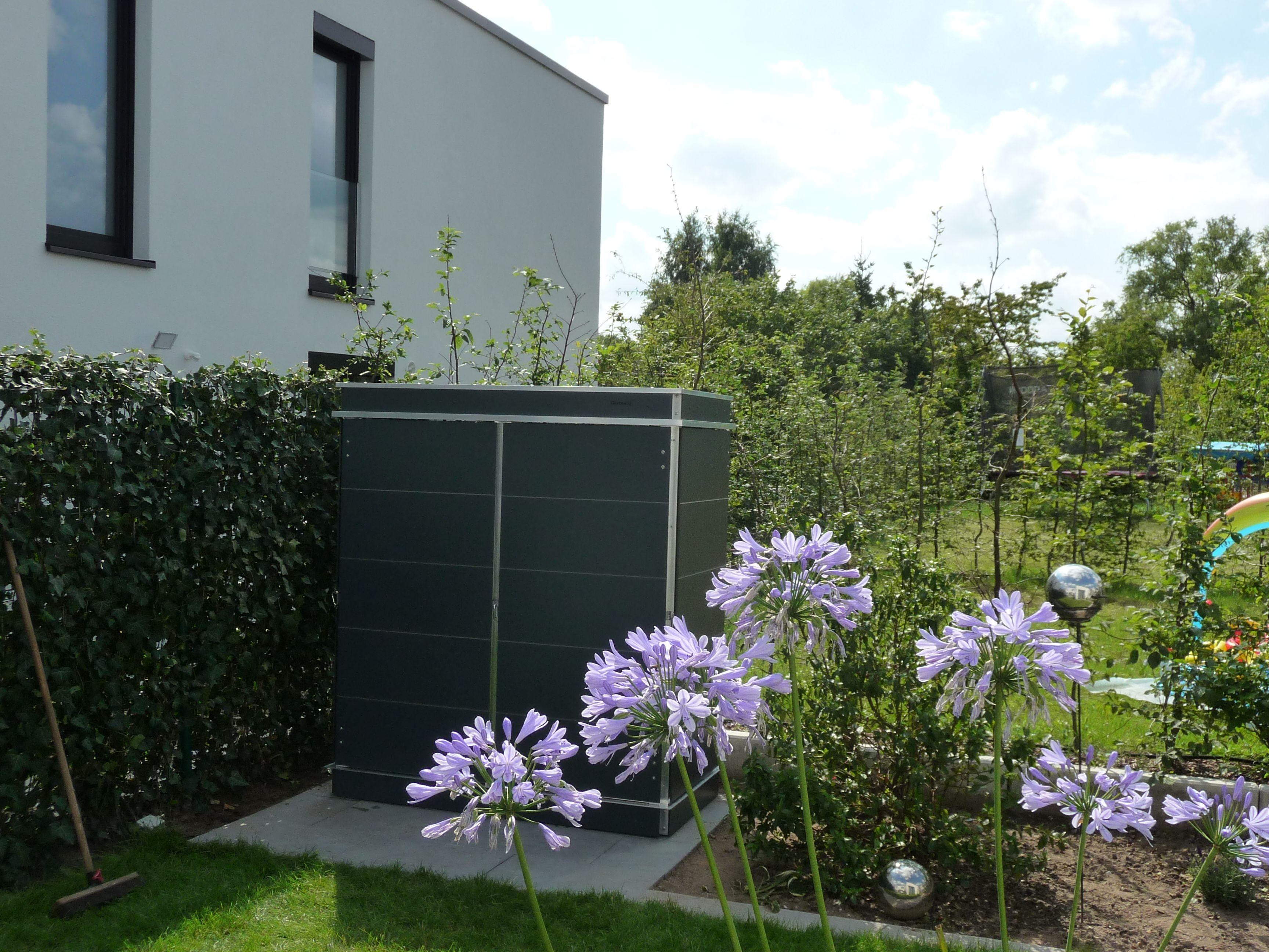 Outdoor Schrank Anthrazit Garten Q Design Outdoor Losungen Fur Den Kompletten Aussenbereich Gartenschrank Garten Design Gartenhaus