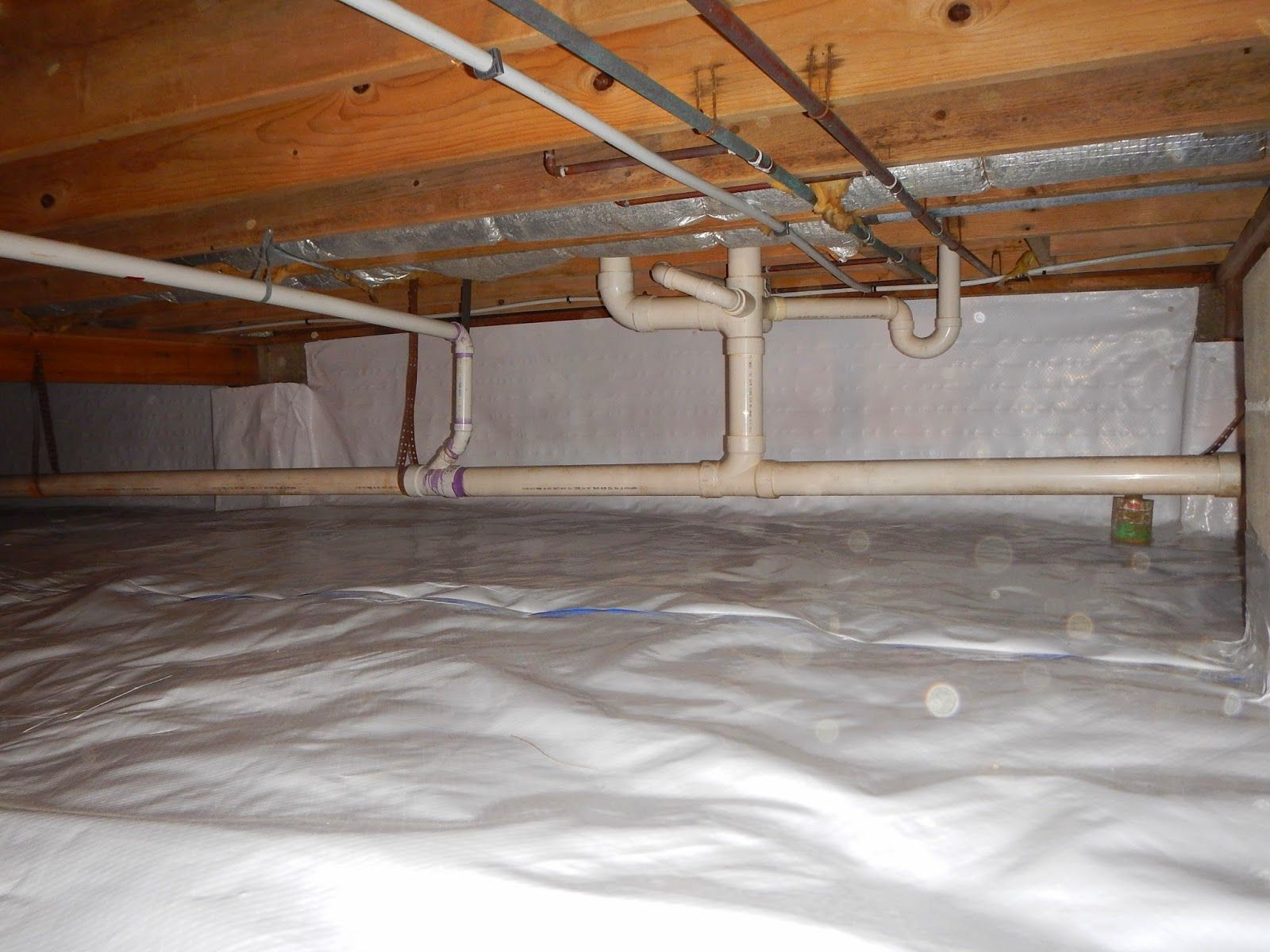 How To Prevent Frozen Water Pipes Http Indianacrawlspacerepair Blogspot Com 2015 01 How To Prevent Frozen Water Pipes Home Insulation Water Pipes Crawlspace