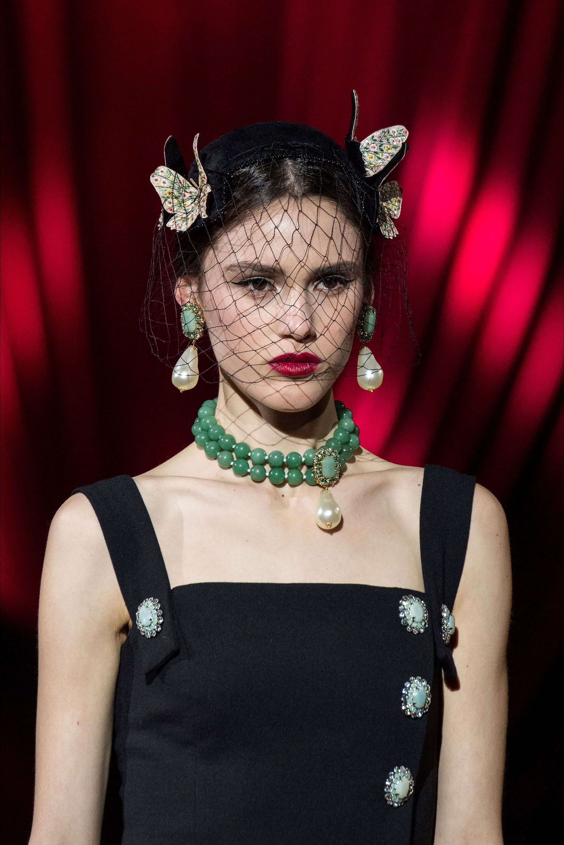 46 Stylish Fall Winter Jewelry Trends Ideas To Try is part of Winter jewelry trends, Fashion, Winter jewelry, Jewelry trends, Fairy fashion, Fashion show - Without a doubt, fashion jewelry is the best way to make any hot outfit stand out  Many women spend several …