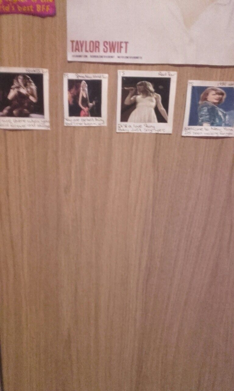 I made polaroids for all of the tours @RedLipClassic13.