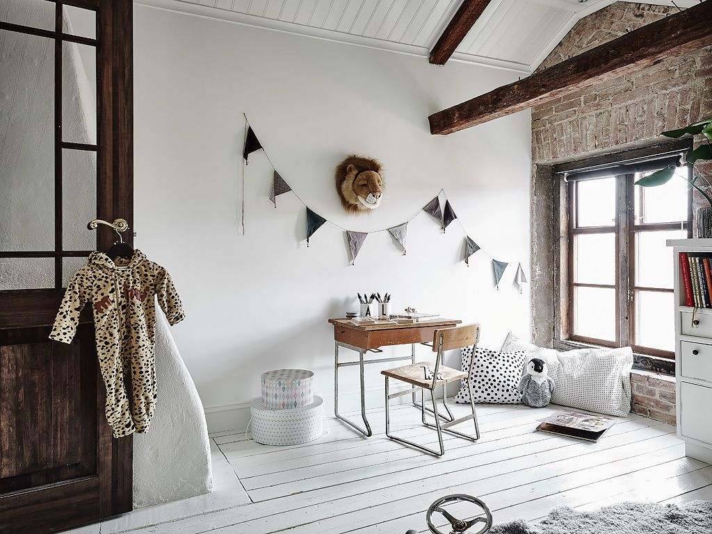 Kids bedroom with exposed brick and exposed beams | Louis room ...