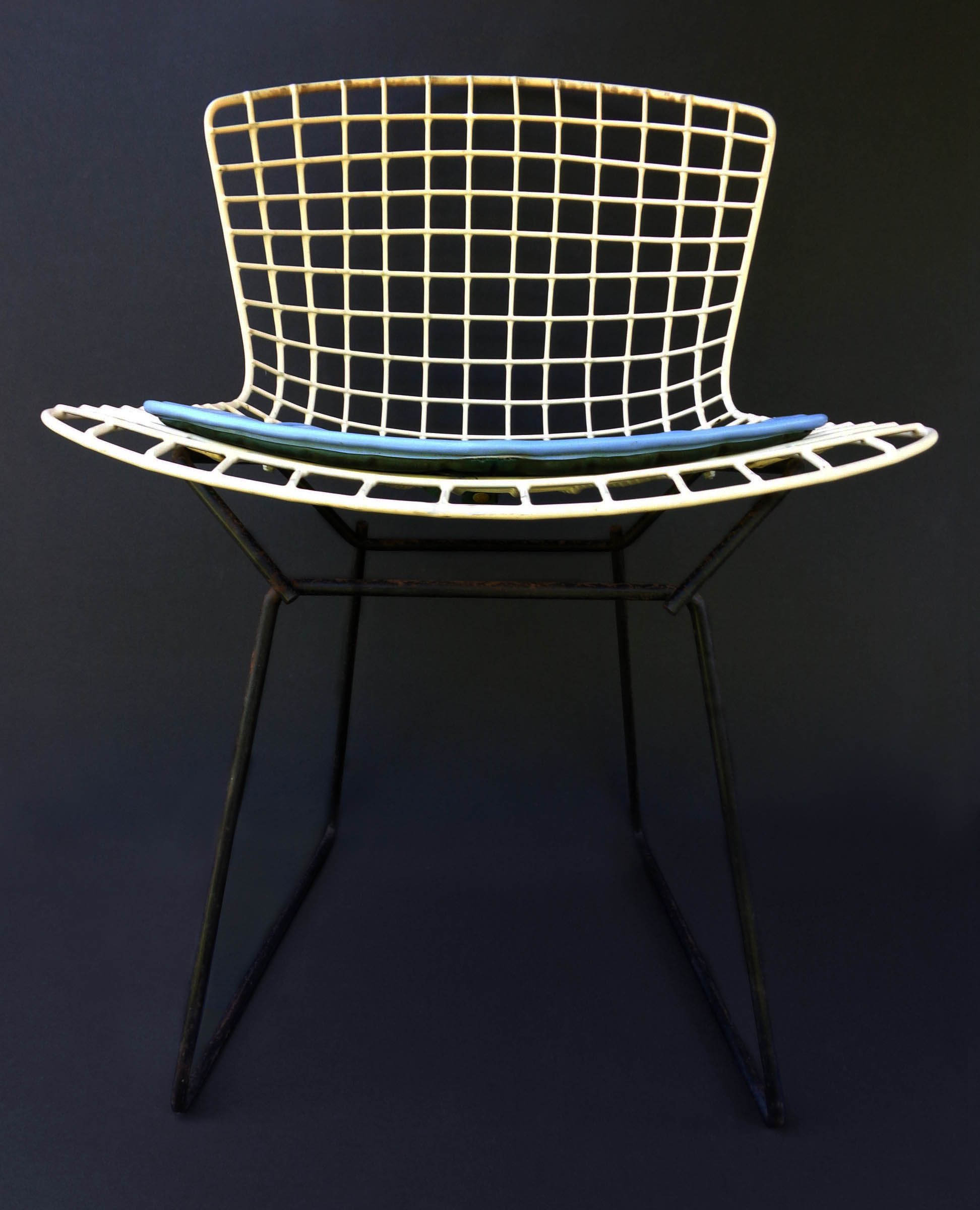 bertoia wire chair original gaming with pedestal harry light blue leather seat sold