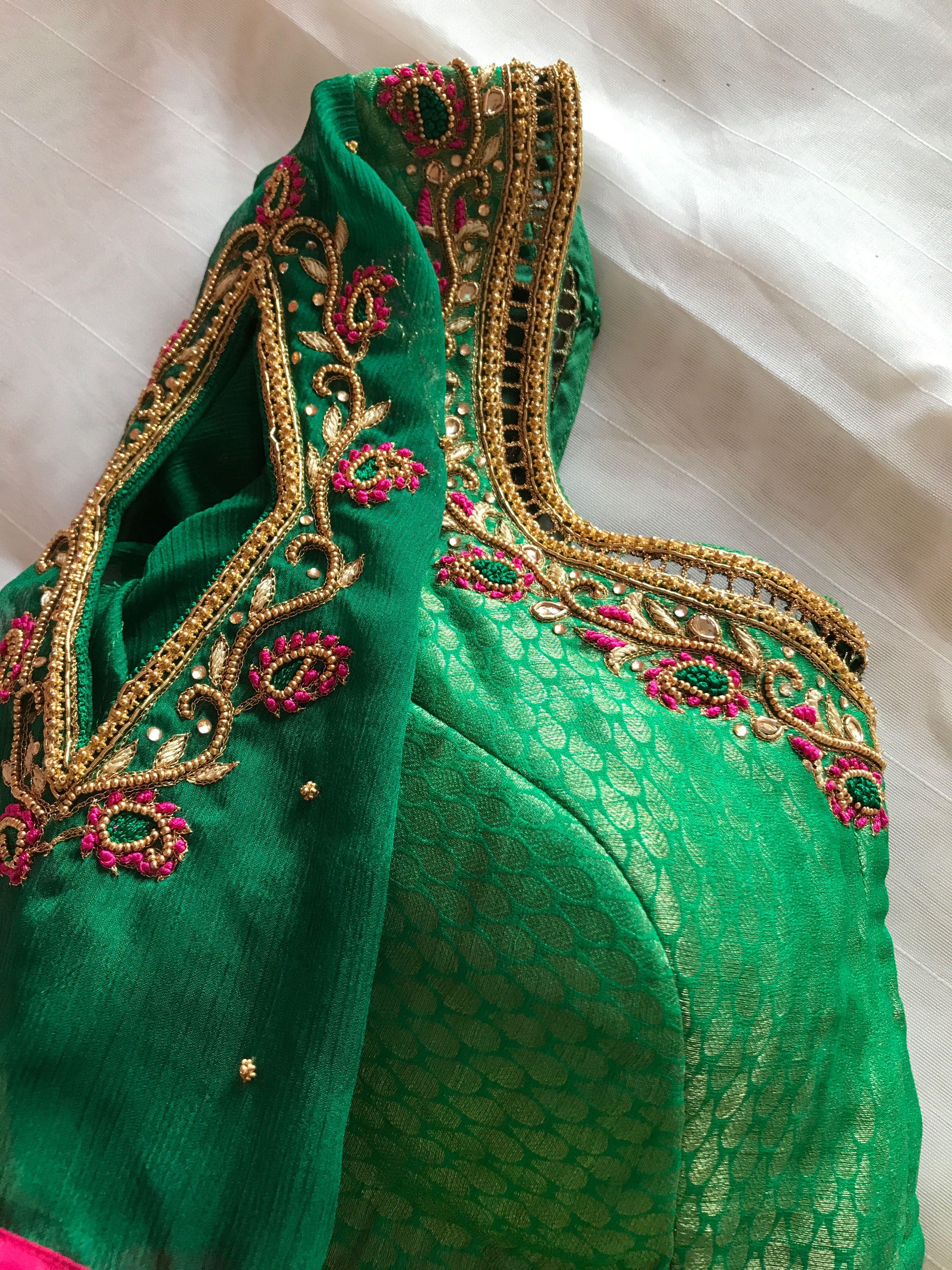 Pin de Deepika Kuchipudi en Blouse   Pinterest   Taller de costura ...