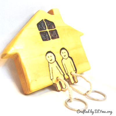 DIY Wooden Key Holder On The Wall This handcrafted DIY wooden key ...
