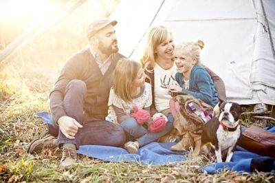Fun Outdoor Family Photo Ideas