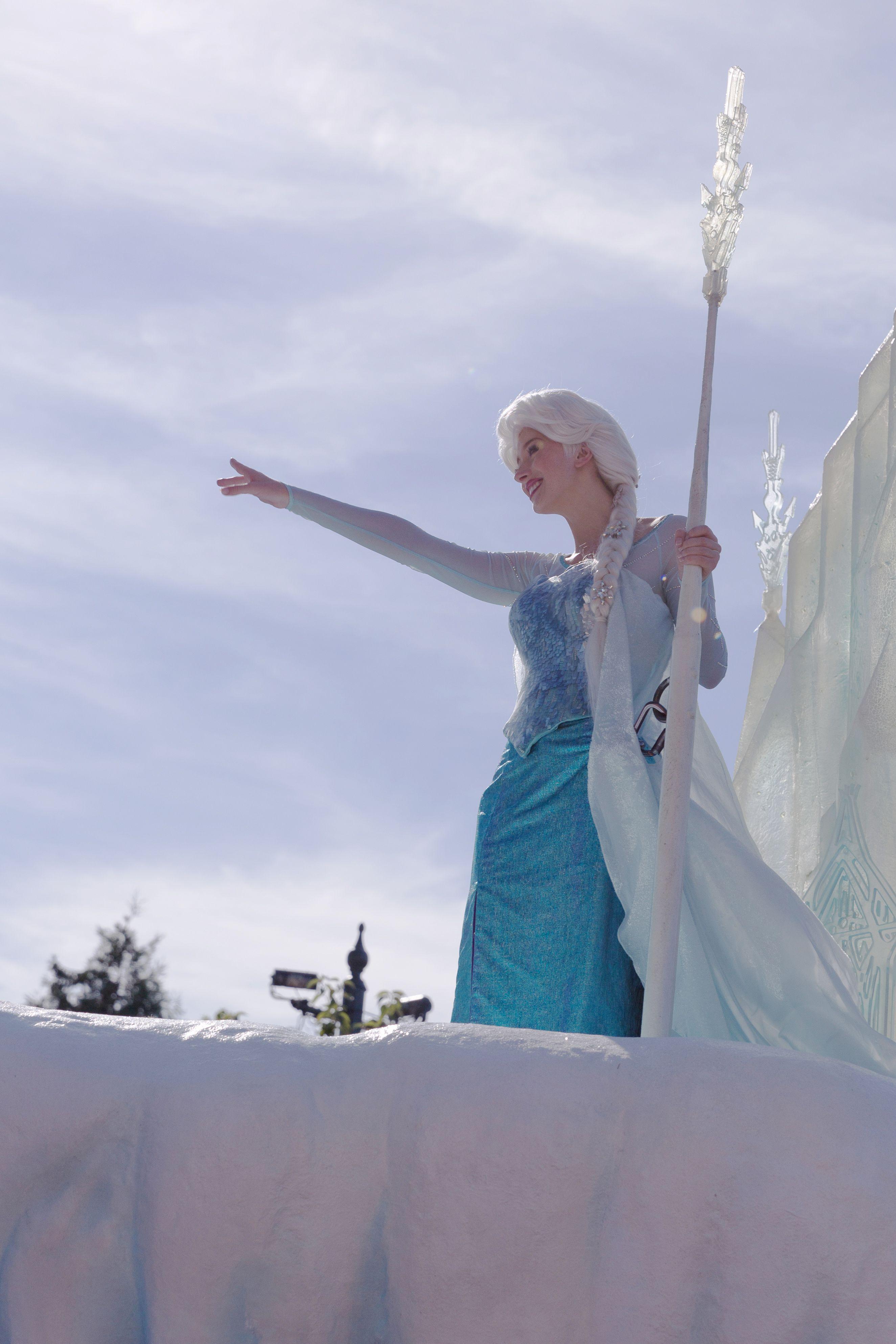 Frozen Summer Fun at Disneyland Paris Disney Magic on Parade