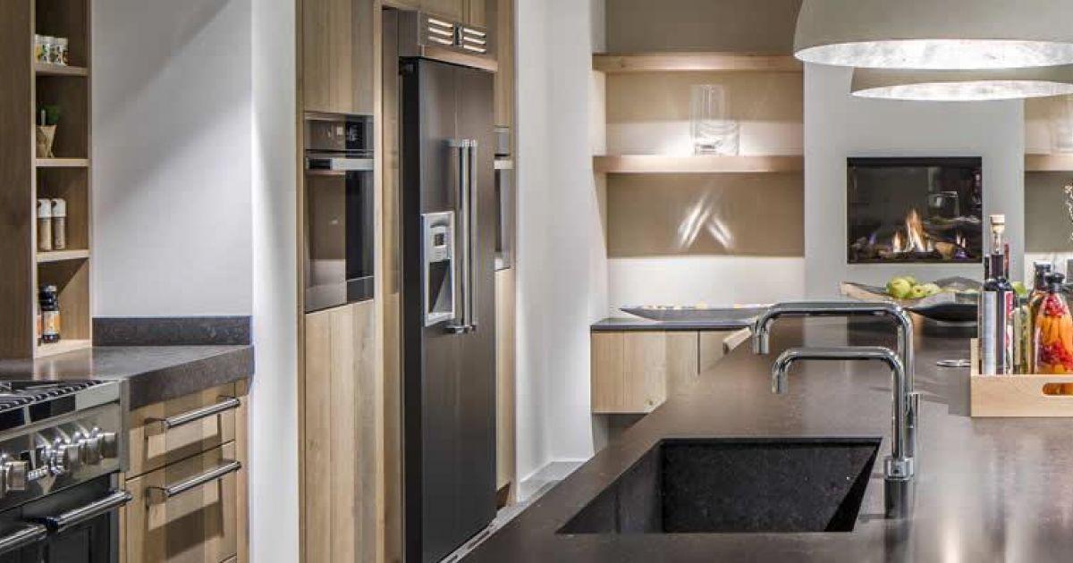 Een landelijke keuken is sober, tijdloos, robuust en zeer stijlvol en kan in verschillende stijlen worden geschetst. Denk aan kleur, hout en moderne apparatuur.