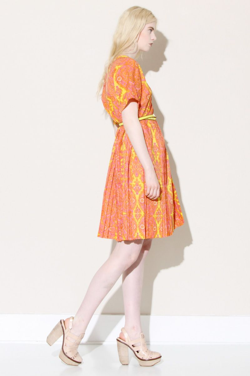 Vintage 1960s Paisley Dress http://thriftedandmodern.com/vintage-1960s-pretty-paisley-dress