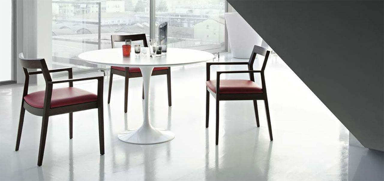 Tulip The Life Of A Revolutionary Legless Table Side Chairs Saarinen Dining Table Saarinen Table
