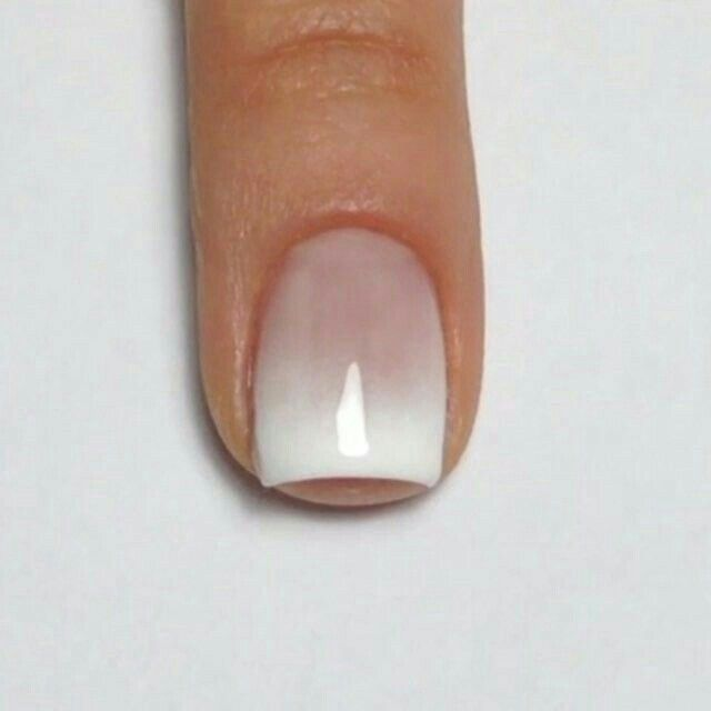 French manicure faded, using airbrush this effect is easy to do ...