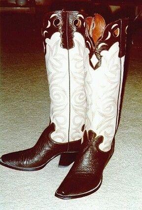 656933514_3ce7f39427.jpg (288×424) | Vintage cowboy boots