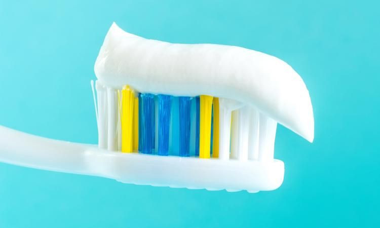 This Is How Often You Should Replace Your Toothbrush ...