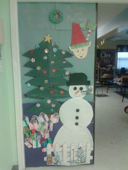 Walking In A Winter Wonderland Christmas Door Decoration