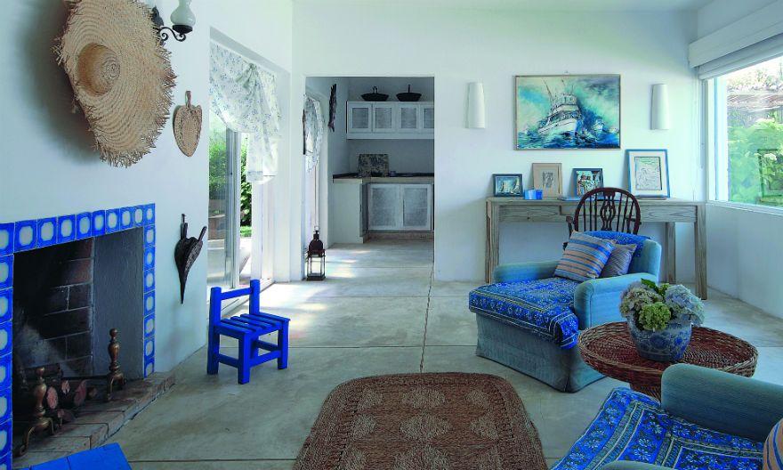 Los tonos crema y agua se combinan en elementos clásicos antiguos y otros racionales, en equilibrio perfecto para lograr un estilo…