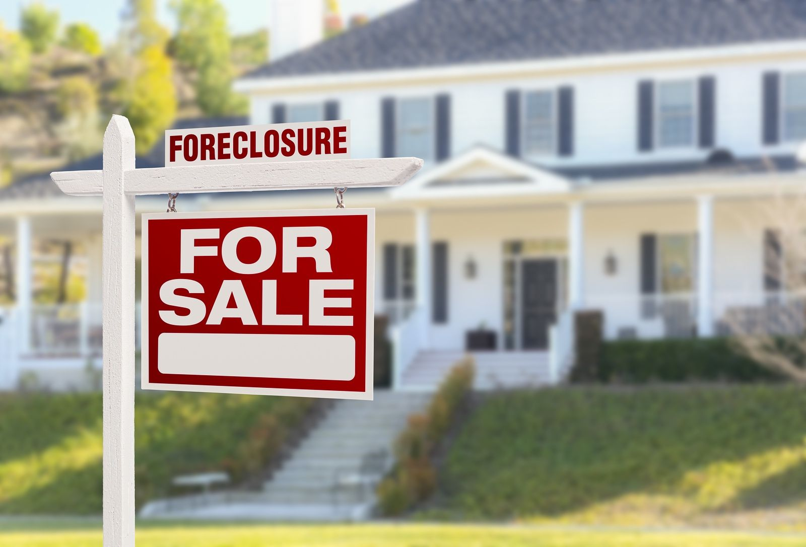 Pros And Cons Of Buying A Foreclosed Home Buying A Foreclosure