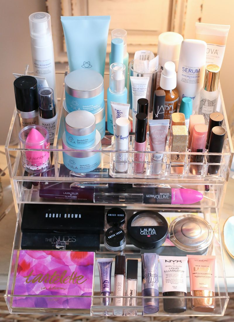 How to organize your makeup & skincare. Vanity