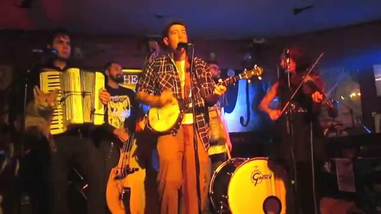 urban pioneers / the freeborn brothers -live at bröken bar-