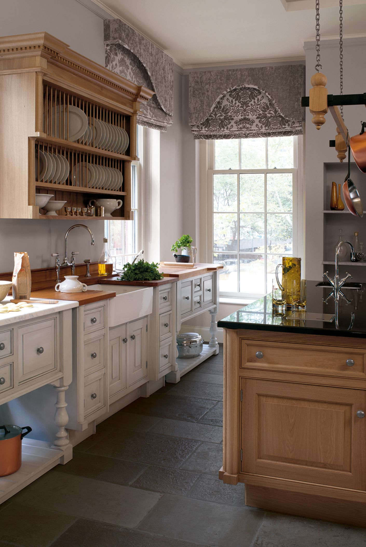 20 smallbone of devizes kitchen pilaster classic hand painted