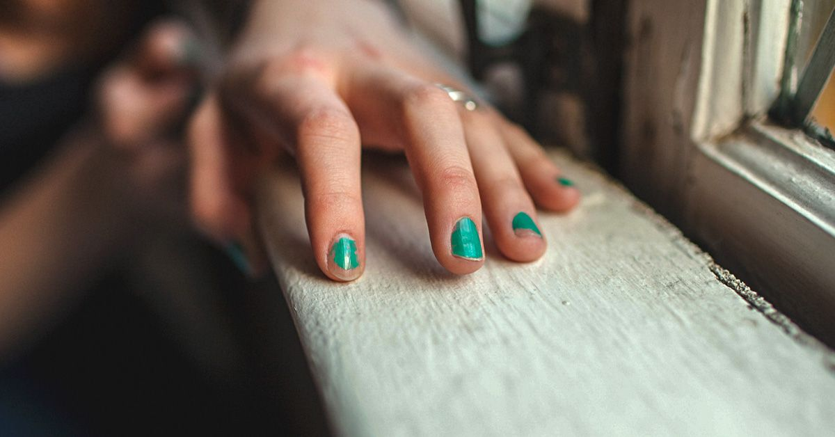 Cuticle oil benefits how to use it and nail growth