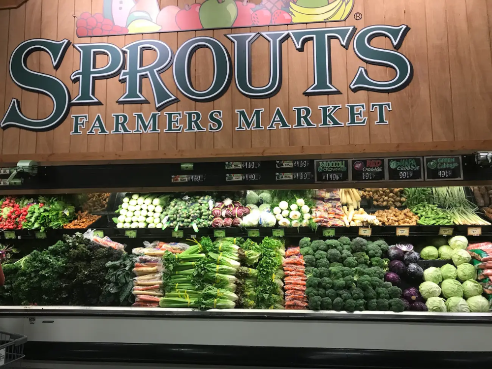 We Visited The Grocery Store Chain That S An Alternative To Whole Foods Here S Why It S Better Sprouts Farmers Market Whole Food Recipes Healthy Travel Snacks