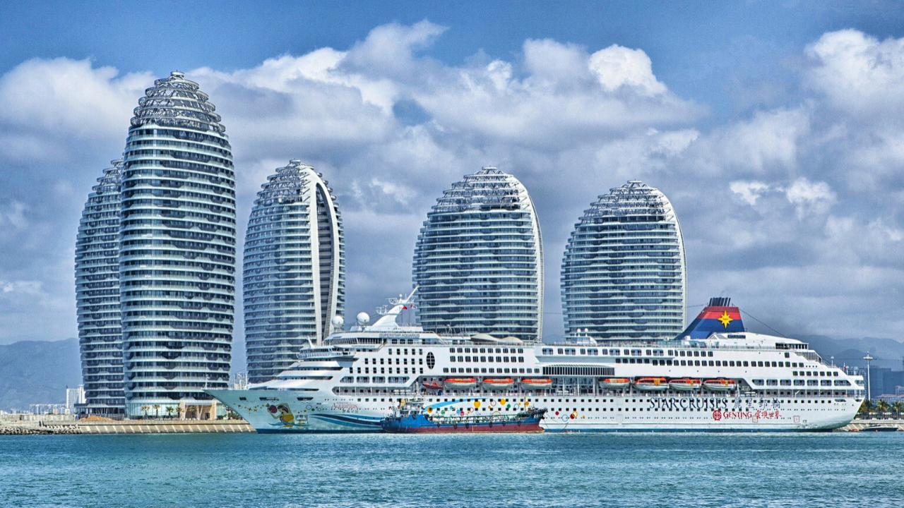 Top 10 Biggest Ships In The World 2020 In 2020 Dubai Holidays Dubai Cruise Destinations,United Airlines Ticket Change Fee