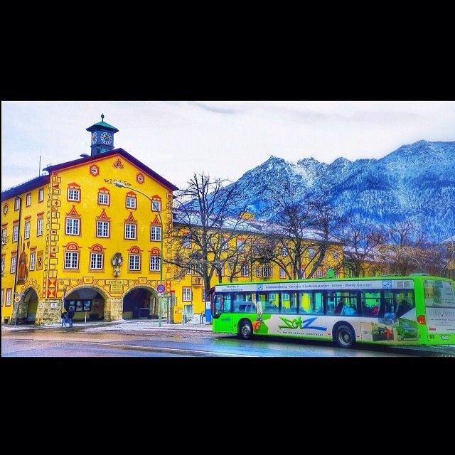 Rathaus In Garmisch Partenkirchen Hinten Der Kramer 07 12 13 Uber Den Dachern Von Garmisch Partenkirchen Nature Obs Garmisch Partenkirchen Towns Germany