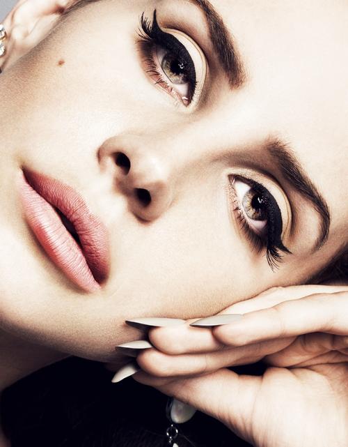 Lana Del Rey Eyebrows