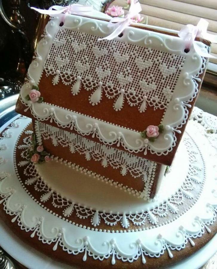 Sweetheart cottage - Cake by Teri Pringle Wood - CakesDecor
