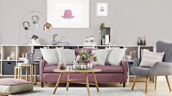 Wandfarbe Hellgrau Mit Vielen Kleinen Elementen An Dem Interieur Kombinieren,  Lila, Grau Und Weiß