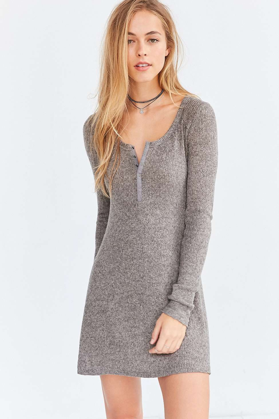 18cd00827a5 BDG - Mini robe confortable style Henley Samual à manches longues grise