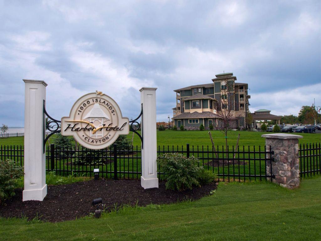 New Islands Harbor Hotel In Clayton Ny
