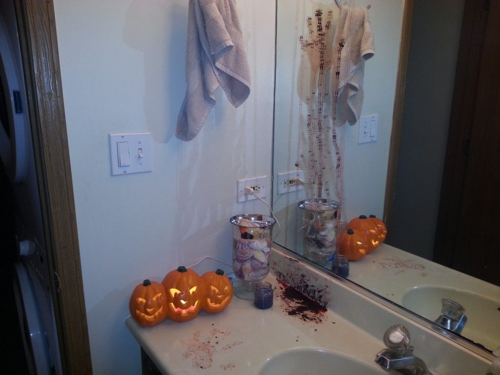 DIY Halloween Bathroom Decor Or How Chrissy is SERIOUSLY Twisted - diy halloween decorations scary