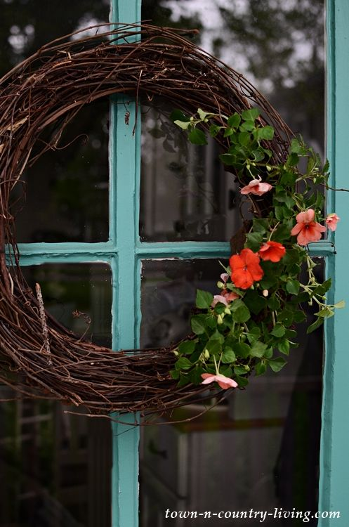 Photo of Make a Natural Wreath in 20 Minutes – Town & Country Living