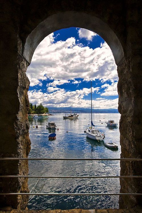 Ika, Croatia, Adriat Beautiful - via: flowersgardenlove - Imgend