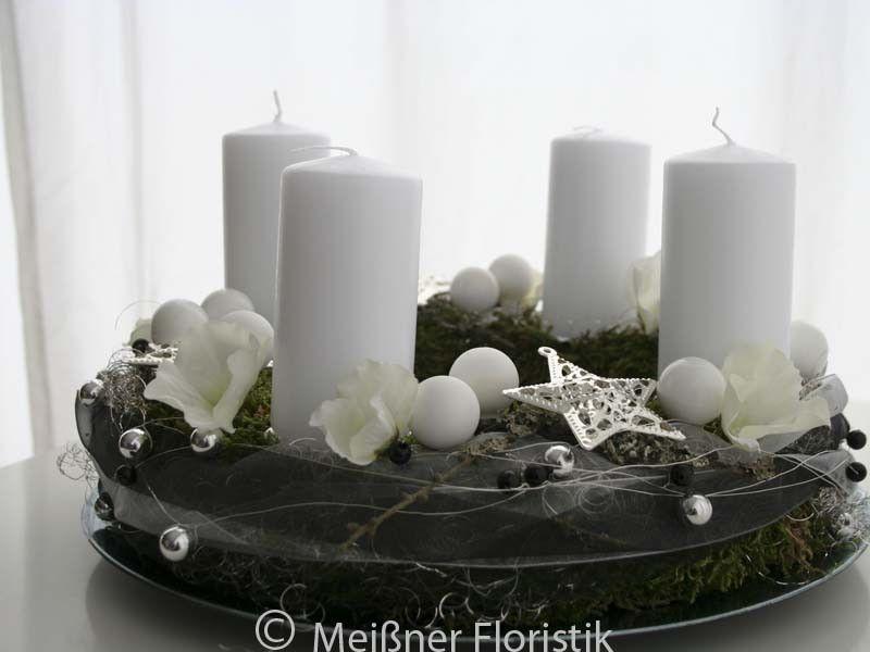 adventskranz adventskranz wei er advent1 ein designerst ck von meissner floristik bei. Black Bedroom Furniture Sets. Home Design Ideas