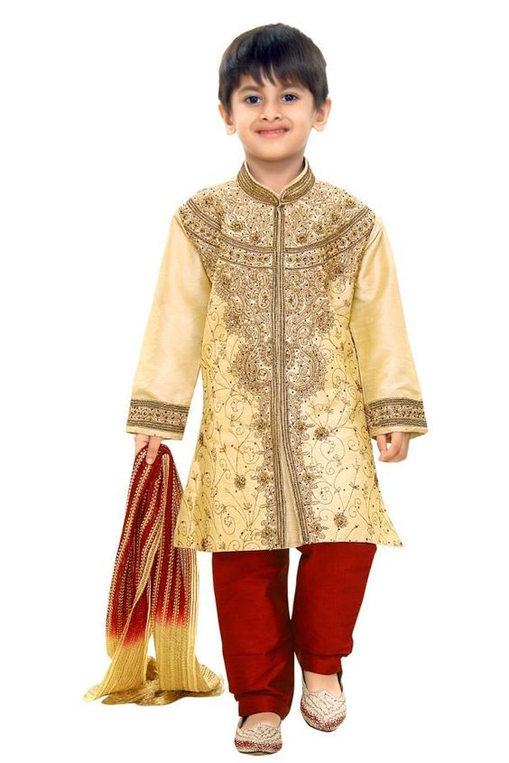 Boy wearing traditional Indian cloths. Its known as Rajasthani Suite and Kurta Set in some ...