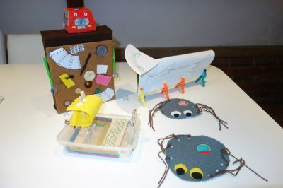 Fun with junk :) 'Viking chinese takeaway boat' Paper plate spiders and a junk machine robot :) - Children's crafts - Netmums