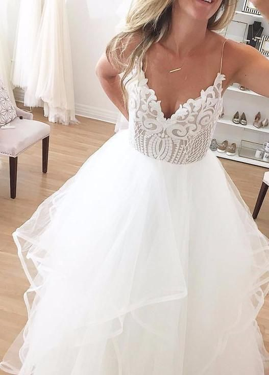 d68aa49d3e2c3 Hayley Paige 'Pepper' size 6 new wedding dress front view on bride ...