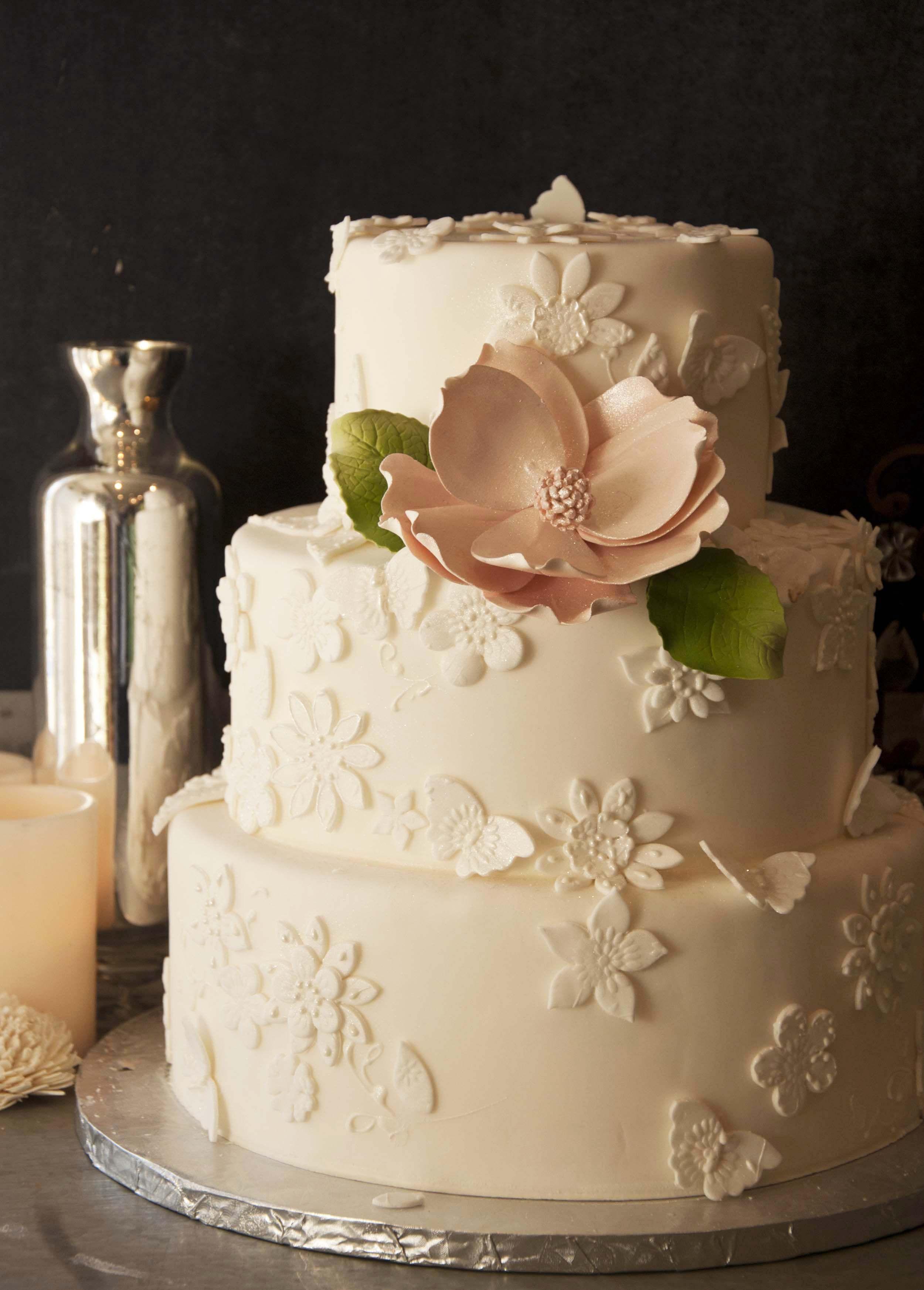 Amphora Bakery Wedding Cake