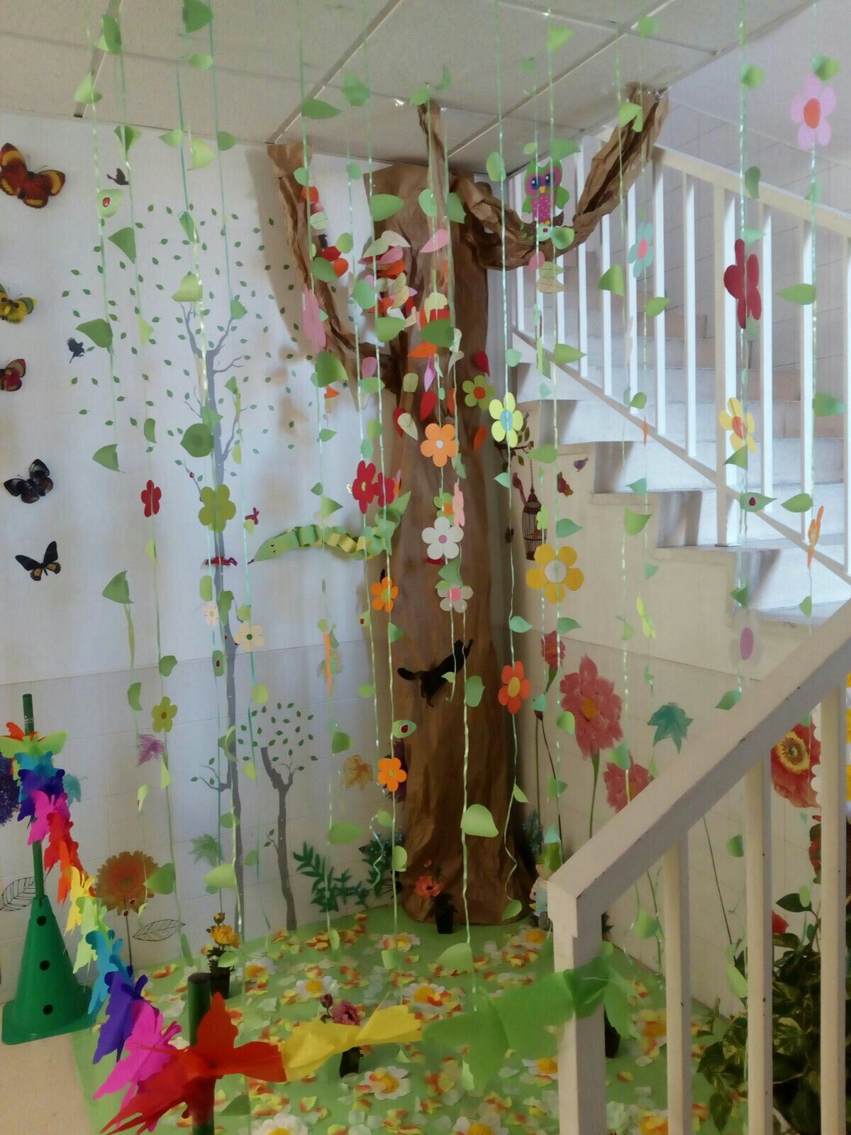 Decoraci n colegio el bosque carnaval decoraci n for Decoracion escuela