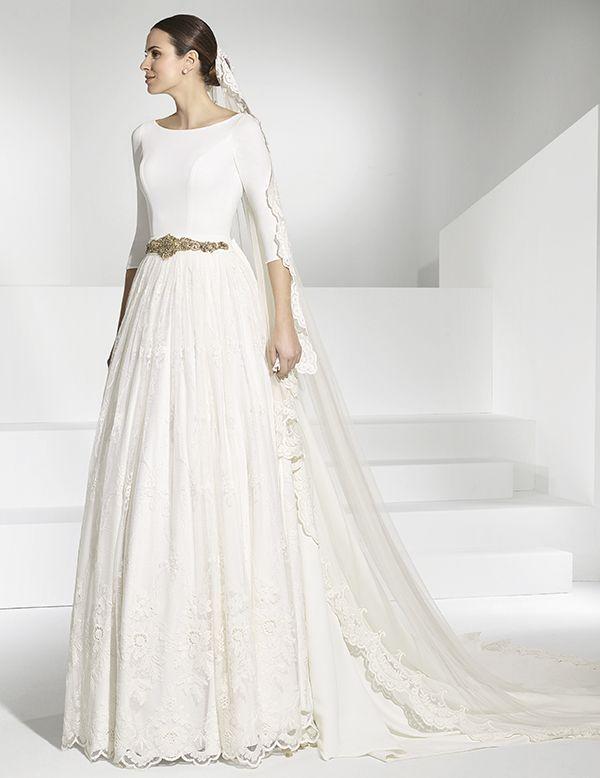 vestidos de novia con cuerpo de crep y falda de vuelo en encaje