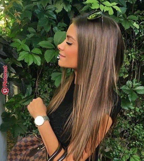 Flattering brown hair with blonde highlights to inspire your next hairstyle 13 #chocolatebrownhair