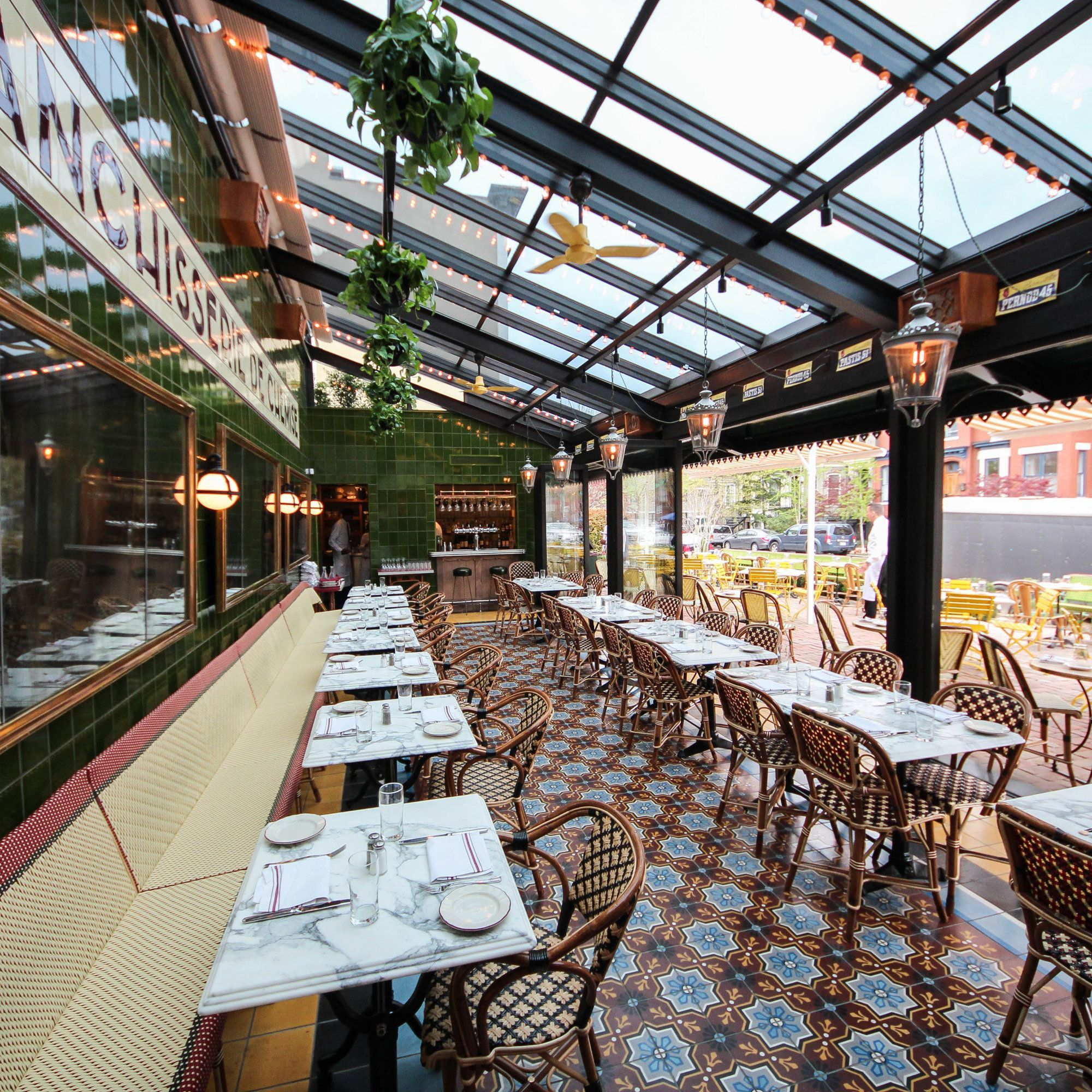 Le Diplomate: Parisian Restaurant In DC With Beautiful
