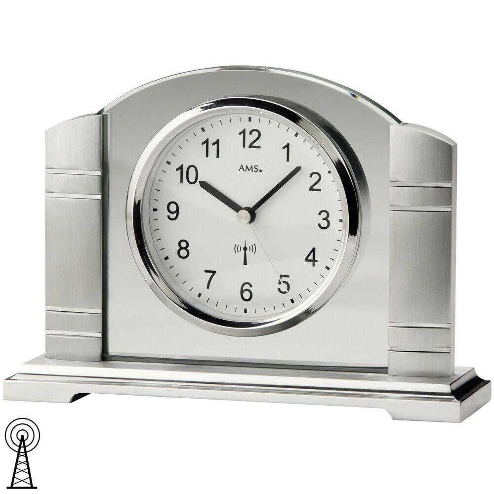 AMS 5142 Tischuhr Funk silbern Metall gebürstet mit Glas Funktischuhr.
