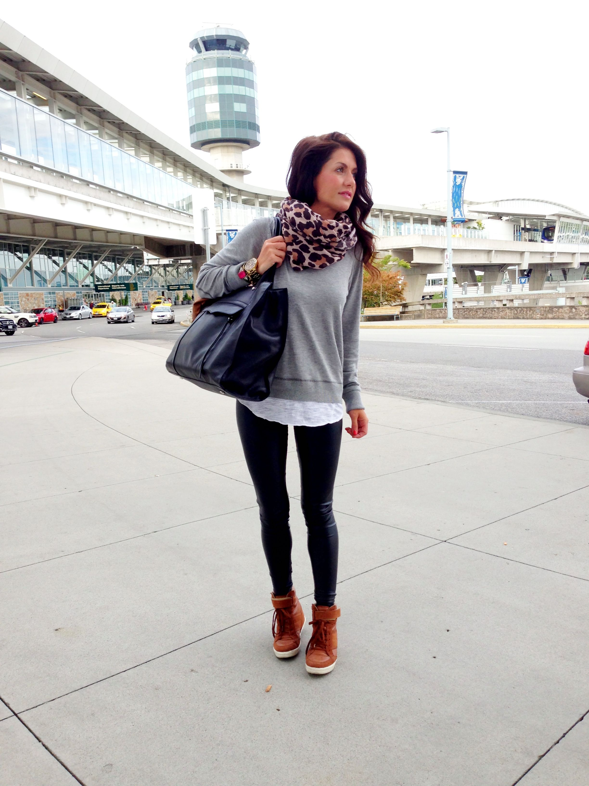 2ca221b4275 What to wear to the airport. Travel Outfit   www.jillianharris.com