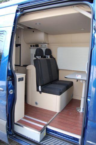 Pin von ron downs auf tiny camper pinterest wohnmobil for Wohnmobil innendesign