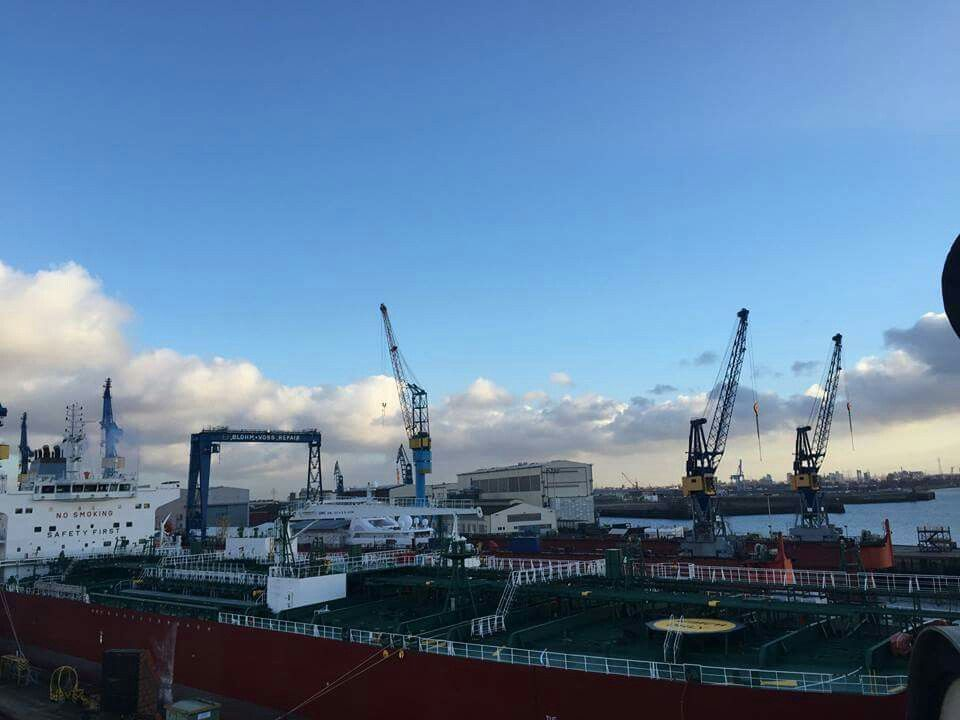 Announcement from #Hamburg... The Tollerortspitze restructuring will lengthen the time and tidal windows available to inbound and outbound #vessels and match the entry and exit conditions on the #RiverElbe in the western area of the #PortofHamburg, closer to the #NorthSea. #ExpectTheExceptional #BeautifullyEngineered