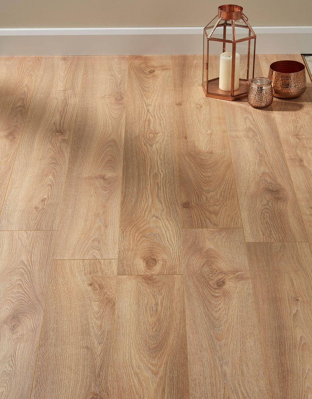 The Supreme 12mm Long Board Macro Oak Nature Laminate Flooring Faithfully Recreates The Textures And Colours Of Direct Wood Flooring Laminate Flooring Flooring
