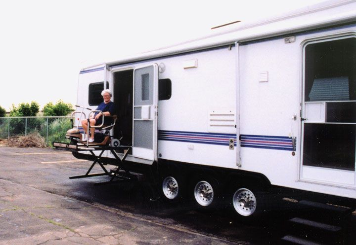 Startracks 40ft Accessible Travel Trailer Stuff To Buy